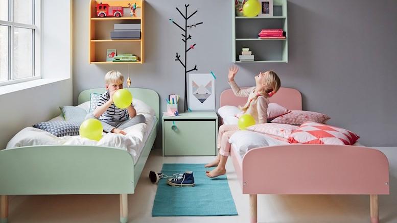Кровать брата и сестры