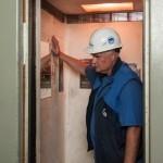 В московских домах заменят 6,3 тысячи лифтов