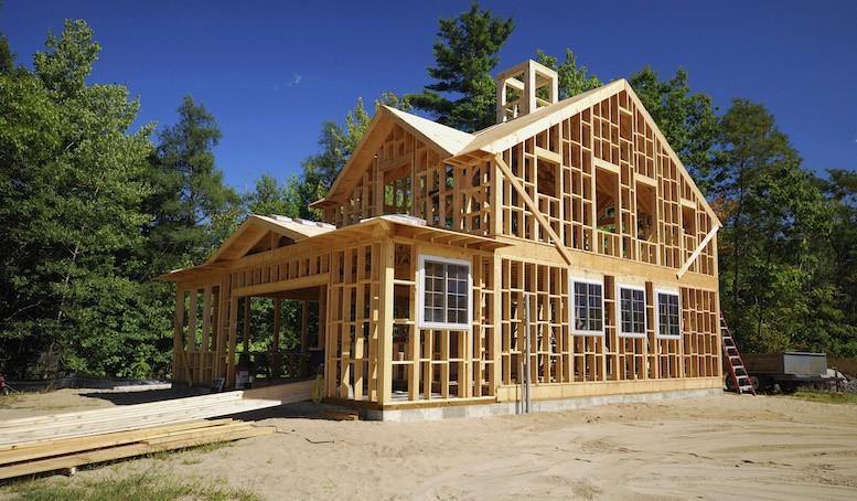Использование деревянного каркаса для дома
