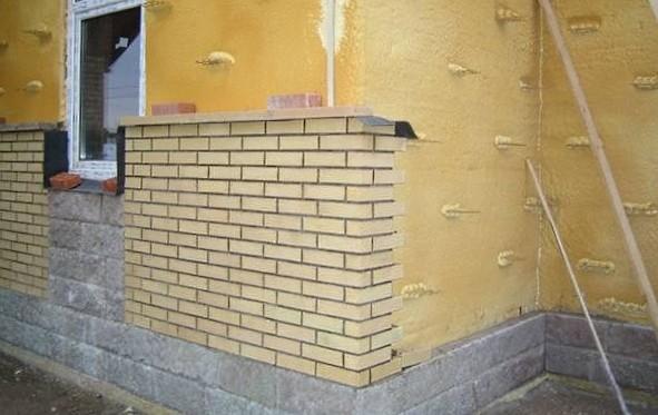 Нужно ли делать утепление стен в доме